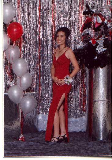 one of Melis's finest moments - @ her homecoming dance!